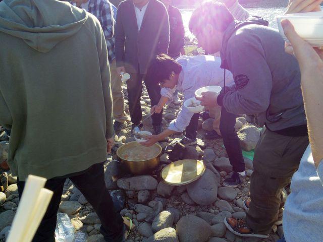 芋煮の様子